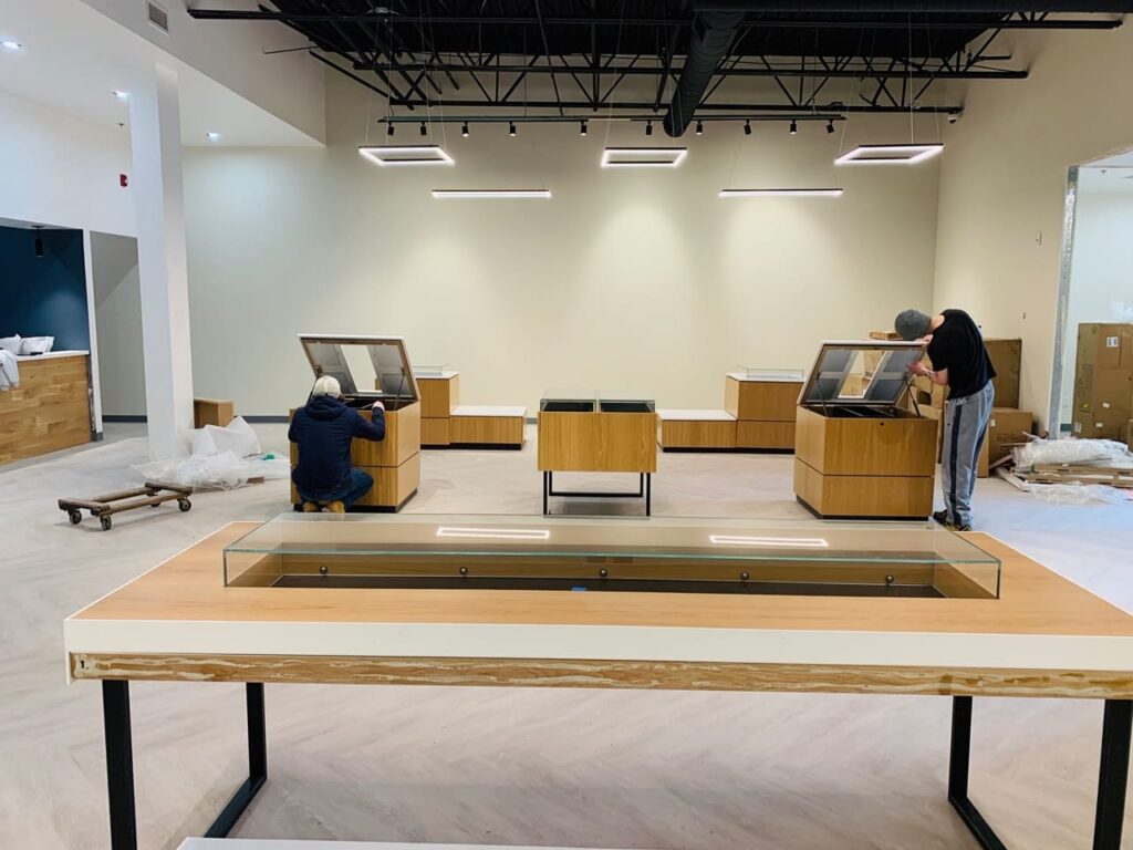 Construction of displays in dispensary